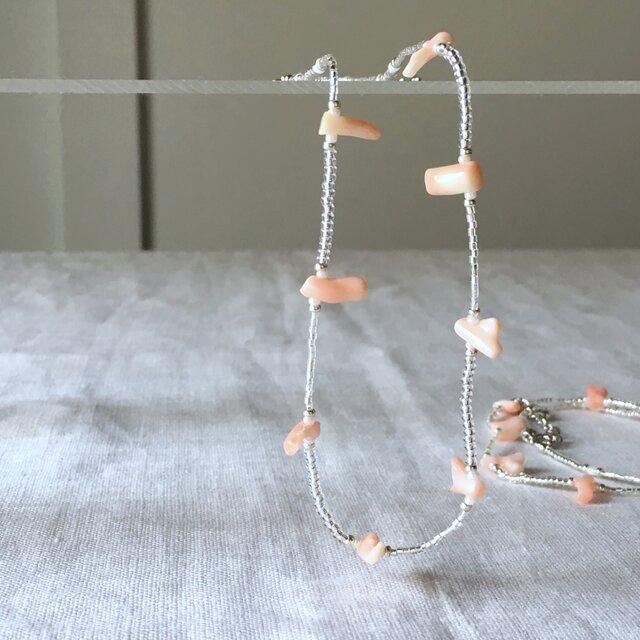 コーラルピンクの珊瑚ネックレスの画像1枚目