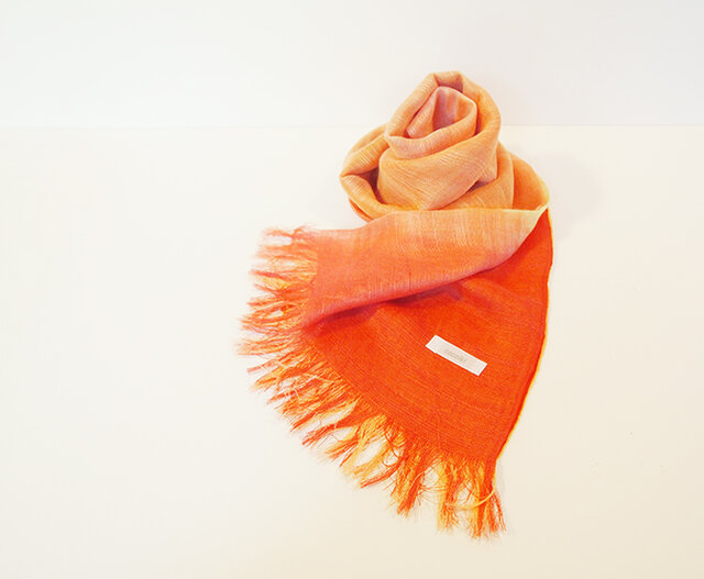 国産シルク100%手描き染めストール orange&pinkの画像1枚目
