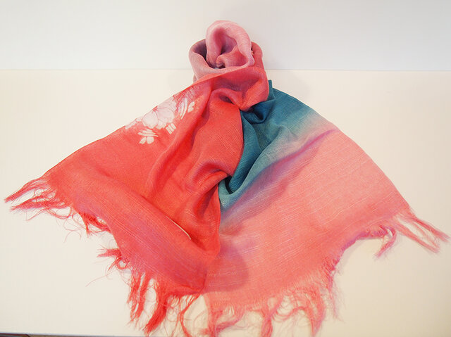 国産シルク100%手描き染めストール pink&blueの画像1枚目