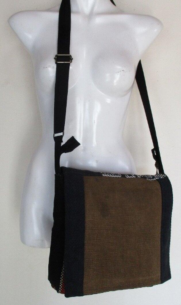送料無料 酒袋と消防団の服で作ったショルダーバック 4160の画像1枚目