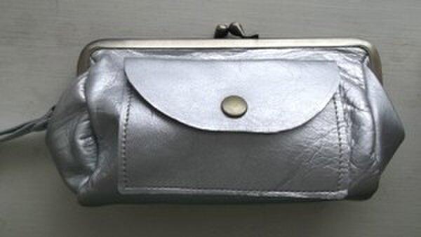 シルバーレザーがま口お財布の画像1枚目
