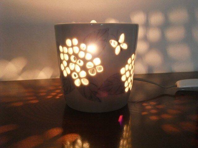 灯り 紫陽花の画像1枚目