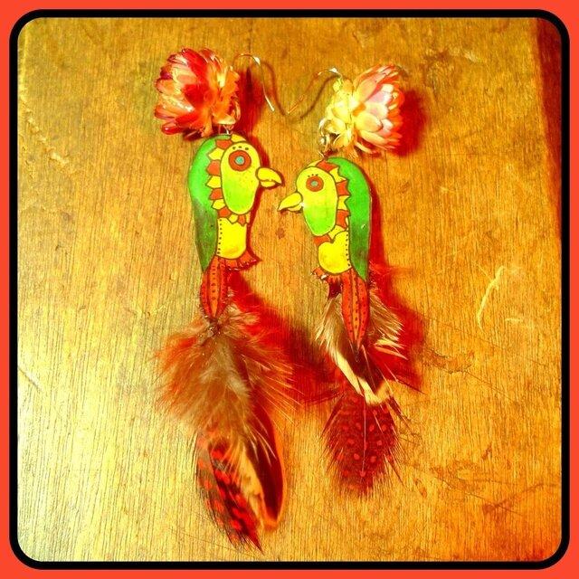 花と鳥  羽根  ピアス  イヤリングの画像1枚目