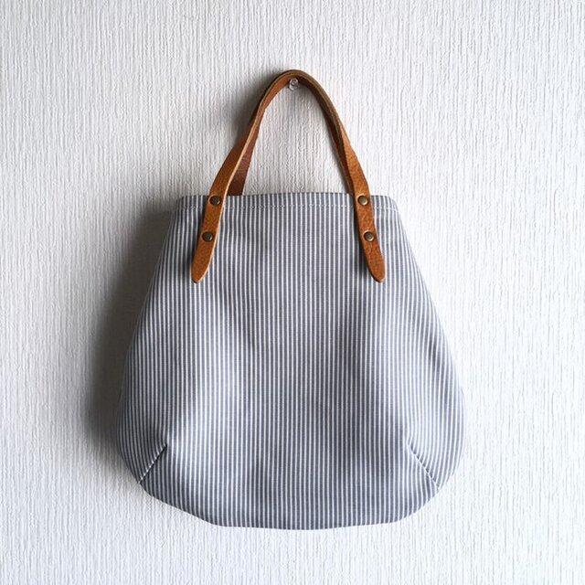 ヒッコリーと極厚オイルヌメの丸型トートバッグ S-size【サックス】の画像1枚目