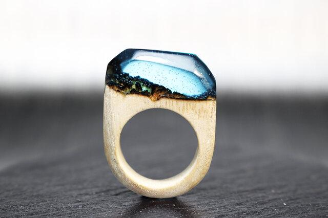 【送料無料】Mountains of the night ~Resin Wood Glow Ring~の画像1枚目