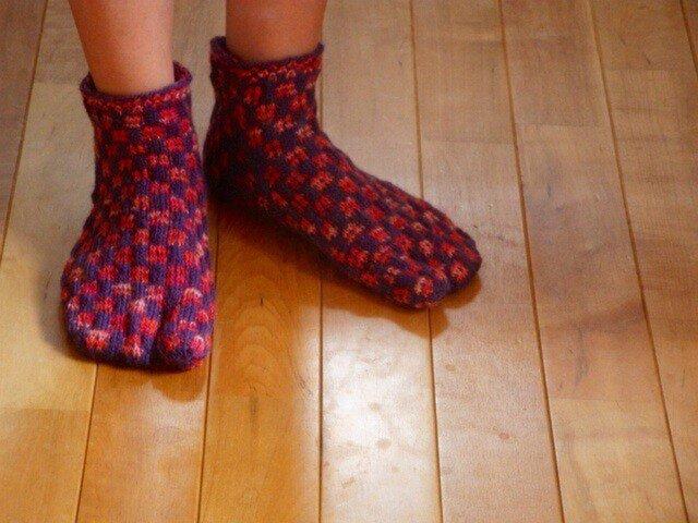 手編♪毛糸の足袋ソックス じぇじぇじぇ~★靴下専用毛糸使用の画像1枚目