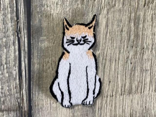 手刺繍浮世絵ブローチ*歌川広重「浮世画譜」の猫の画像1枚目