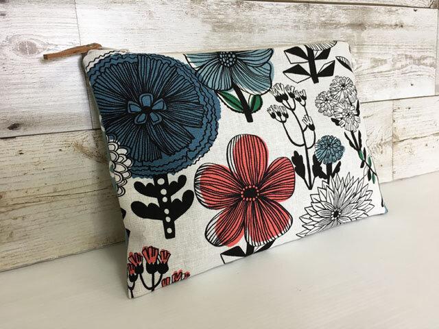 バッグインバッグ クラッチバッグ 北欧調花の画像1枚目