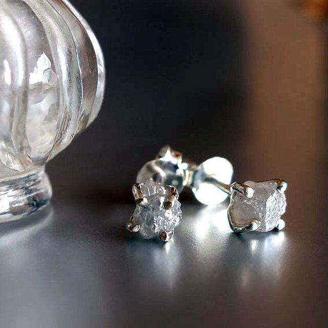 ダイヤモンド原石SVピアスの画像1枚目