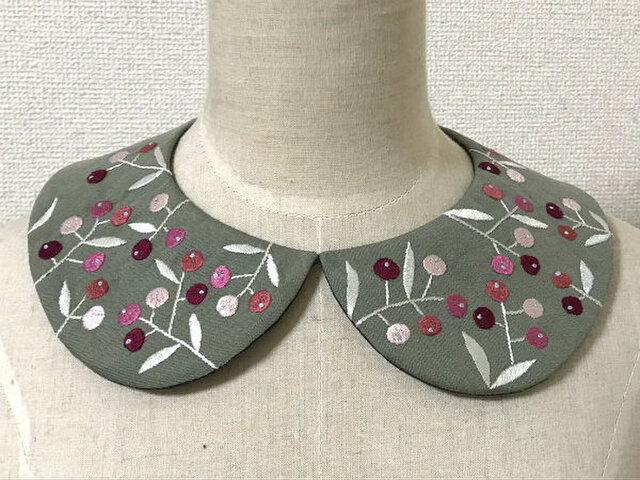手刺繍つけ襟(チェリーカラーの実)の画像1枚目
