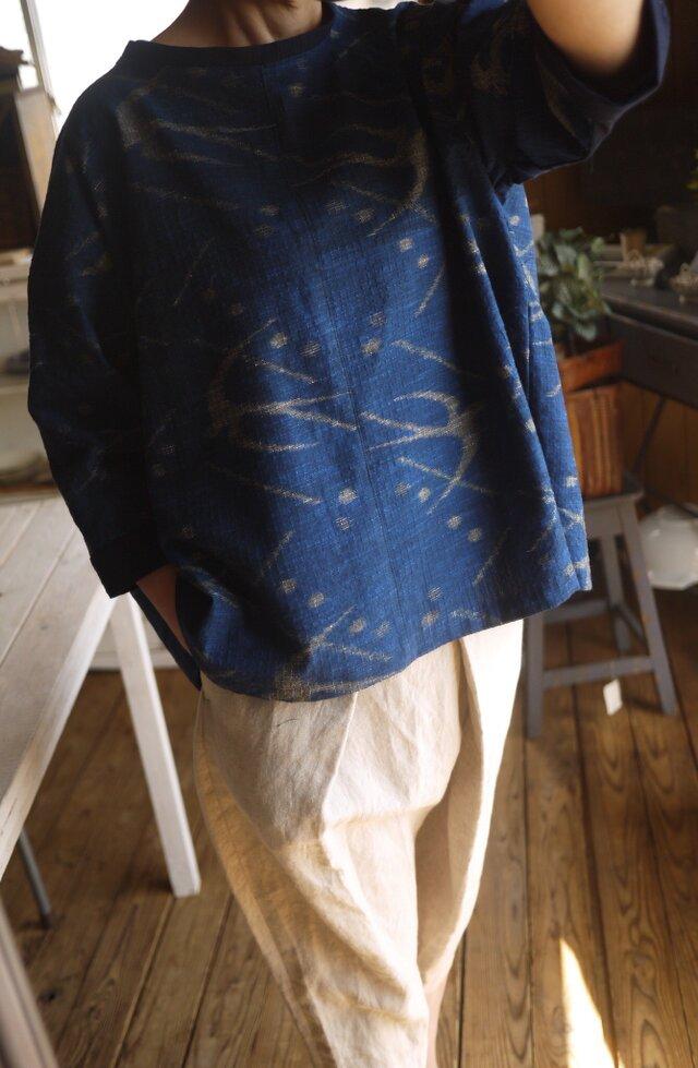 久留米絣4種後ろたっぷりタックのトップスの画像1枚目