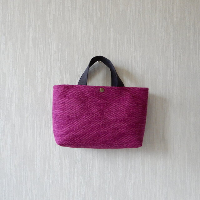 裂き織りのバッグ Mサイズ横長 ベリーの画像1枚目