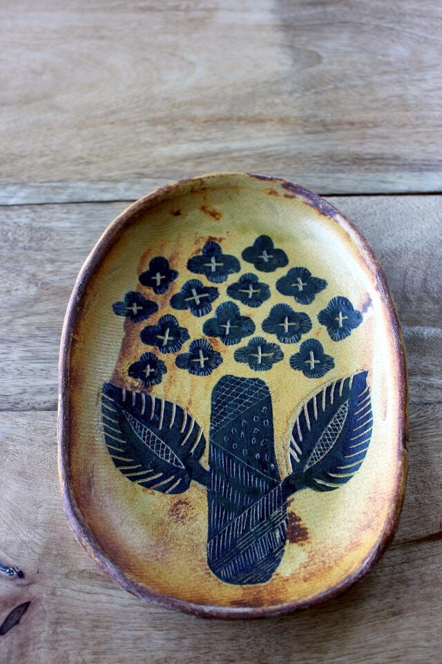アジサイの楕円のお皿の画像1枚目