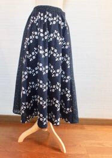 *刺繍入り綿レースのギャザースカート紺*の画像1枚目