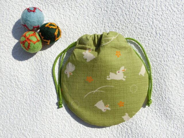 ミニ巾着  若草色 うさぎ模様  御守り 小物収納 プレゼントにも の画像1枚目