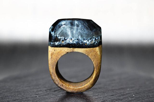【送料無料】Snow Mountain ~Resin Wood Ring~の画像1枚目