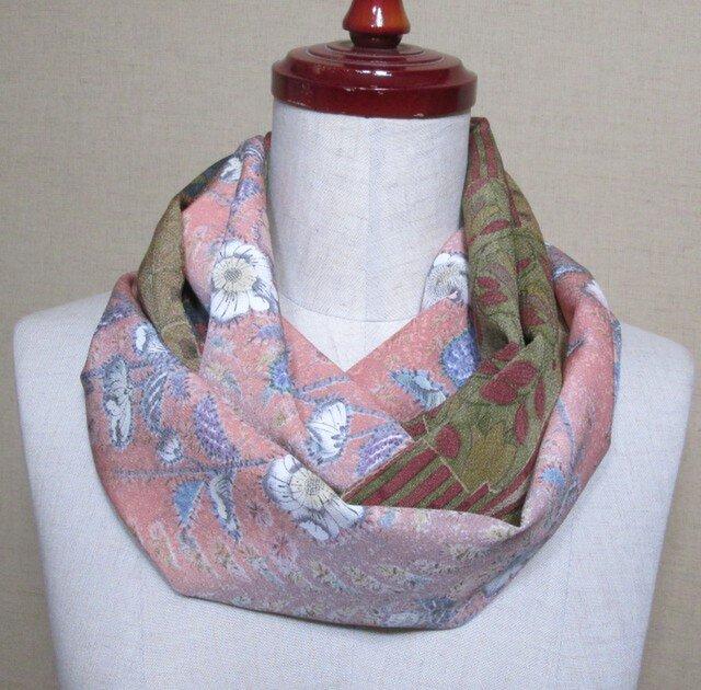 着物リメイク サーモンピンクの辻ヶ花模様の小紋×縮緬から上品なスヌードの画像1枚目