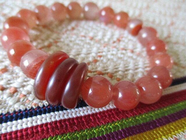 開光 瑪瑙珠と赤水晶 「生命エネルギー活性のお石」のブレスレットの画像1枚目