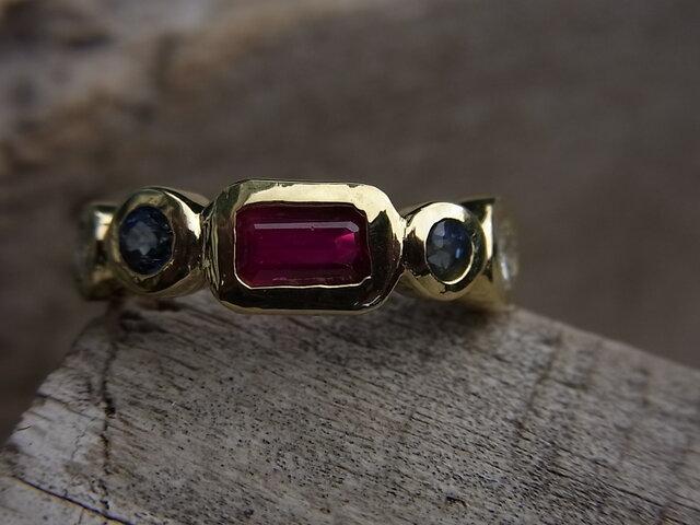 四角いルビーの指輪の画像1枚目