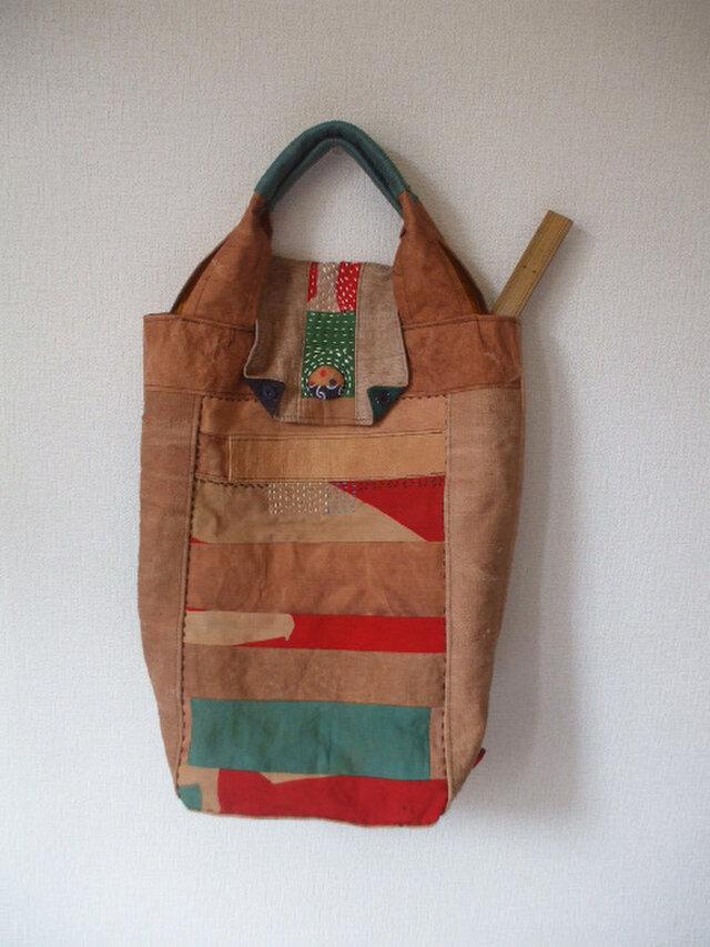 細長柿渋染め大漁旗の蓋つきトートバック 木綿の画像1枚目