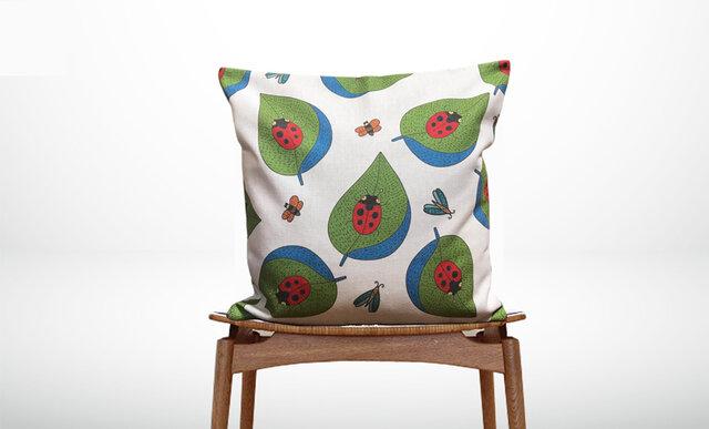 森のクッション  Ladybugs -ひのきの香り-の画像1枚目