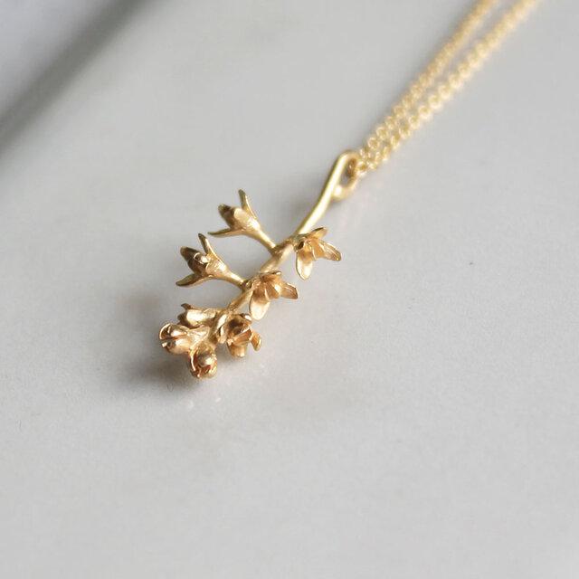 オリーブの花のネックレスの画像1枚目