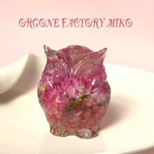 ピンク小バラの愛情のフクロウ 恋愛運 幸運メモリーオイル入り オルゴナイト の画像1枚目