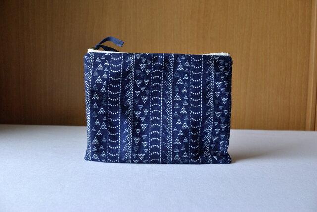 藍染×型染ポーチ(龍縞)の画像1枚目