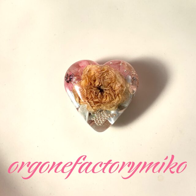 持ち歩きタイプ 恋愛成就 癒し 幸運メモリーオイル入り ハート オルゴナイトの画像1枚目