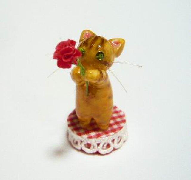 にゃんこのしっぽ〇母の日〇カーネーション〇茶とら猫の画像1枚目