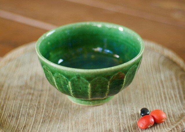 緑釉お茶碗(面)の画像1枚目