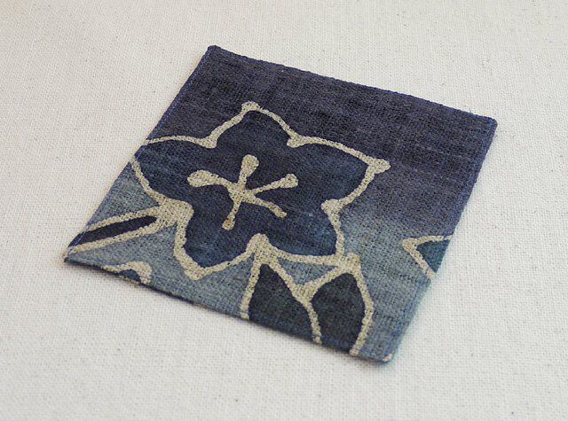 お敷き布【青い花ーC】の画像1枚目