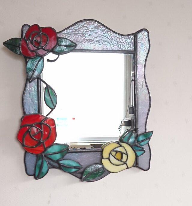 """ステンドグラス""""バラの花の壁掛け鏡""""の画像1枚目"""
