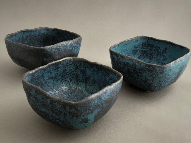 トルコ釉四方小鉢の画像1枚目