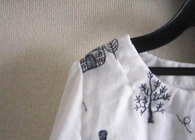 刺繍のチュニックブラウスの画像1枚目