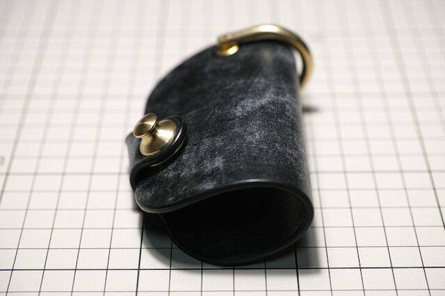 ー受注生産ー ブライドルレザーのキーケース スマートキー対応 真鍮金具 ブラックの画像1枚目