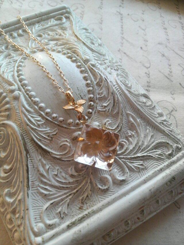ヴィンテージ Crystalスミレ 12mm Square ネックレスの画像1枚目