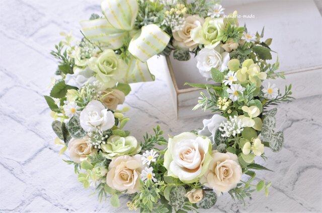 リトル・ローズガーデン ホワイト グリーン クリーム:母の日フラワー バラの画像1枚目