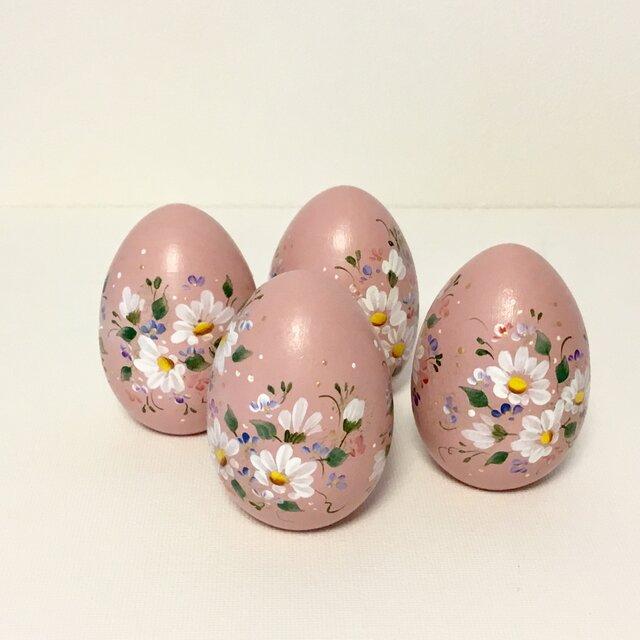 モーヴピンク色の花の木製イースターエッグ(1個)の画像1枚目