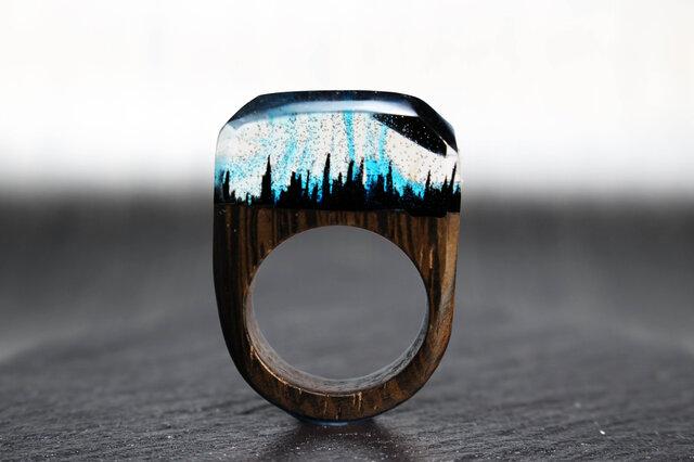 【送料無料】Midnight mountain ~Resin Wood Ring~の画像1枚目