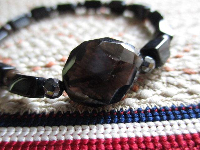 古珠黒瑪瑙と煙水晶とジャスパーのブレスレットの画像1枚目