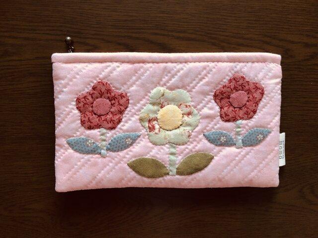 お花のアップリケの通帳ポ-チの画像1枚目