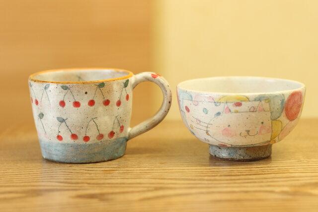 ※S様オーダー分 粉引きカラフルドットとねこのお茶碗とさくらんぼとブルーボーダーのカップの画像1枚目