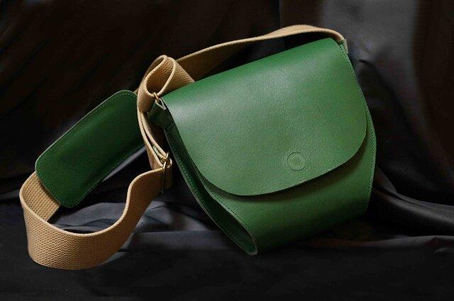 ポストマンバッグS☆限定1本*Italy牛革:グリーン×ヌメ⁂愛らしいフォルムです。⁂特別サービス価格品⁂の画像1枚目