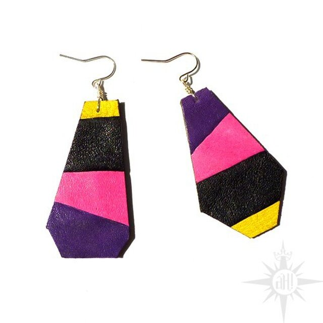 colorful leather  earringの画像1枚目