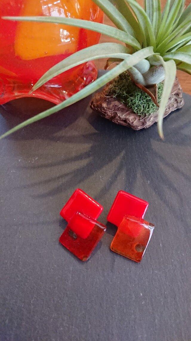 ガラスSTUDS  ̻square redの画像1枚目
