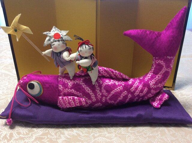 ♪鯉のぼりに乗る童の画像1枚目