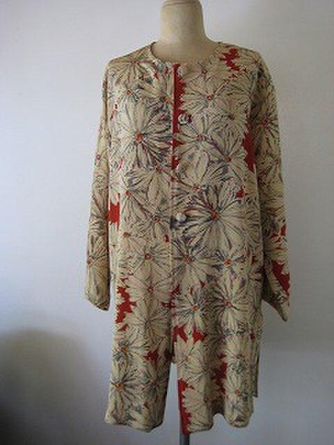 着物リメイク、ちりめん羽織から羽織るジャケットの画像1枚目