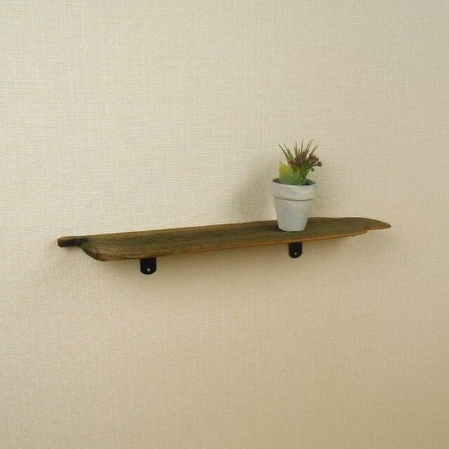 【温泉流木】薄いワッフルのような軽量ウォールラック 壁掛け棚 流木インテリアの画像1枚目