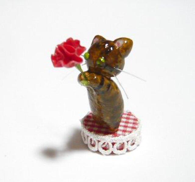 にゃんこのしっぽ〇母の日〇カーネーション〇きじとら猫の画像1枚目